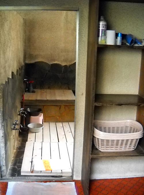 http://maywind.sakura.ne.jp/onsen/onsenblog/img/akataki_2013_10_0013.jpg