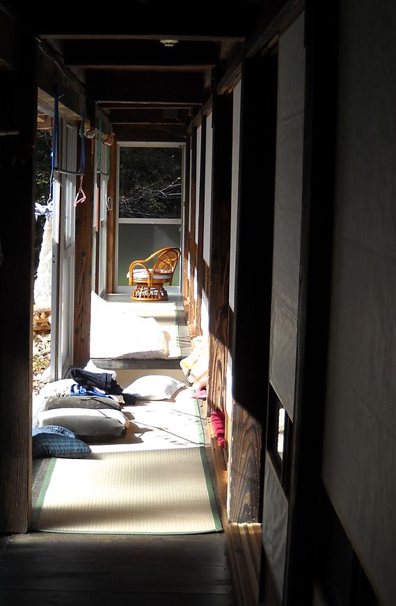 http://maywind.sakura.ne.jp/onsen/onsenblog/img/akataki_2013_10_007.jpg