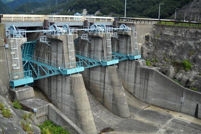 深山ダム 栃木県那須塩原市板室地区に建設された深山ダムに行って来ました。 深山ダ... 深山ダム